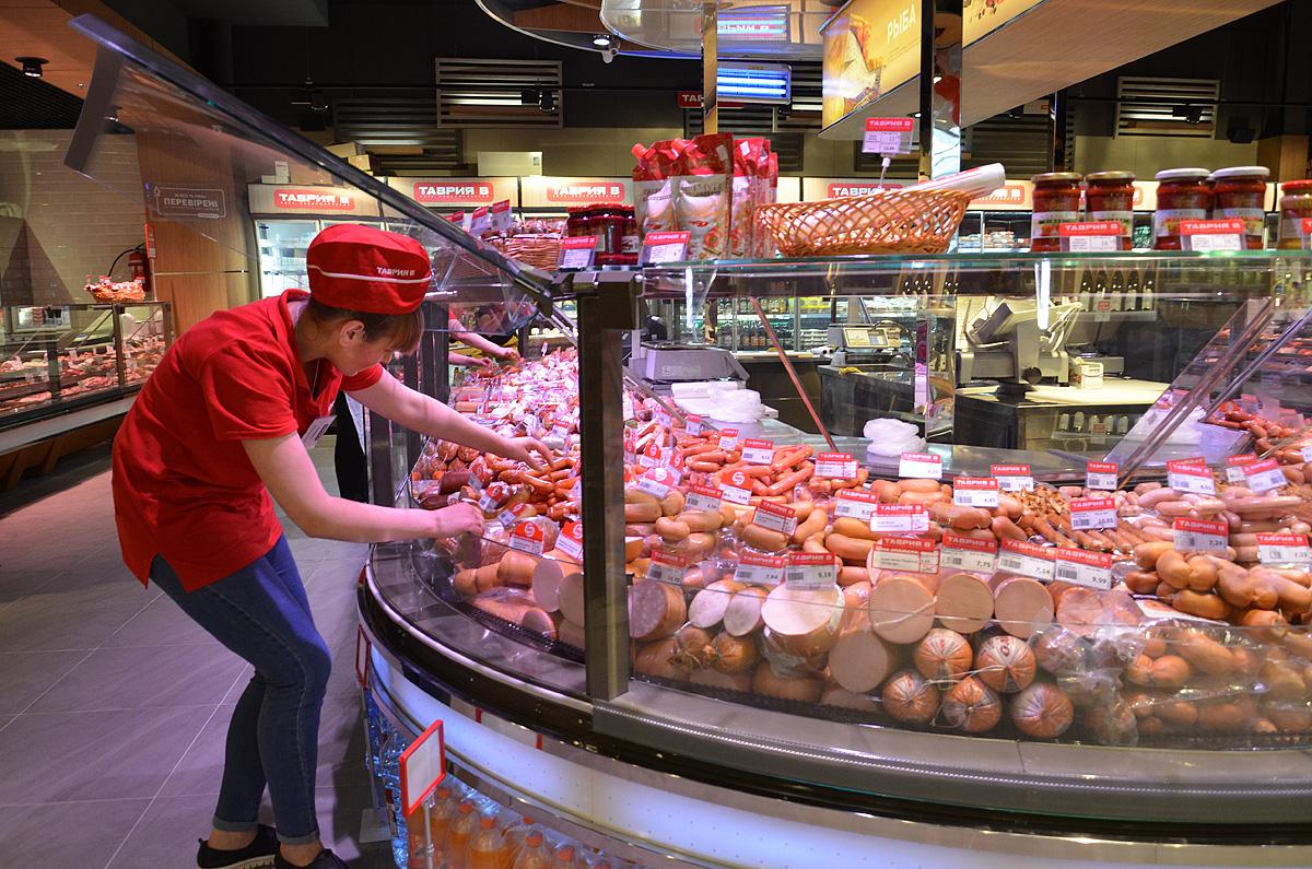 красивая выкладка колбас в супермаркетах фото расшитое