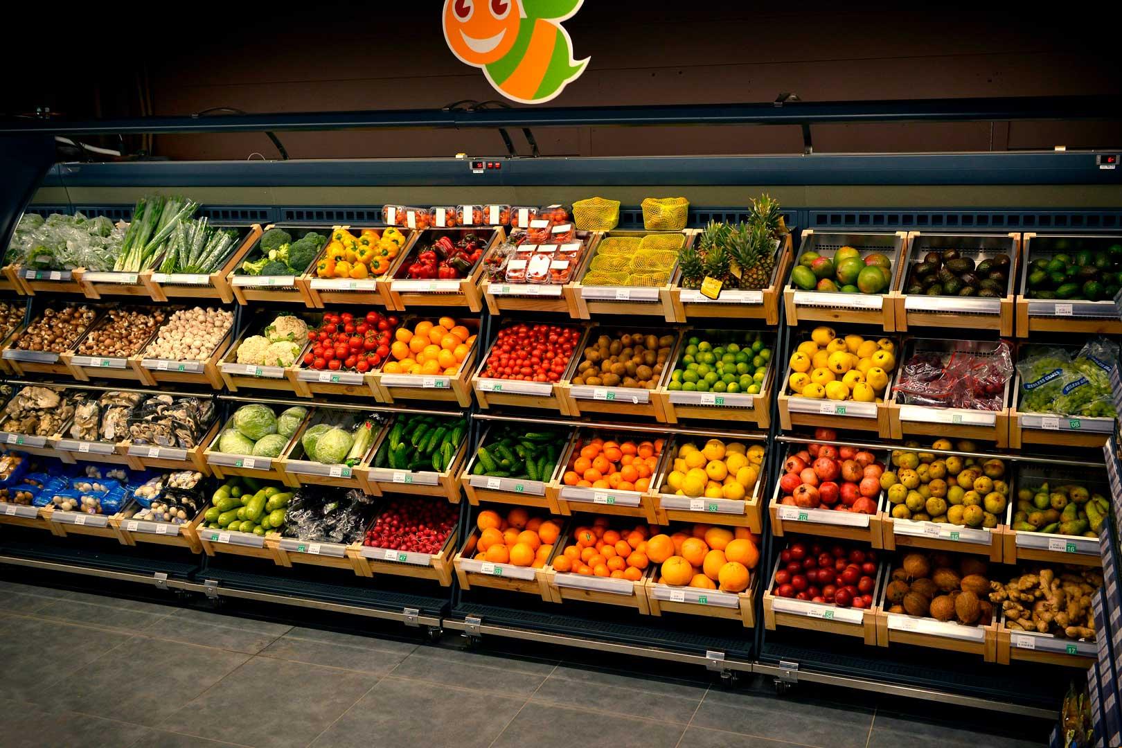 """Spezialisierte Verkaufsvitrinen für den Verkauf von Gemüsen und Obst Louisiana VF MV 110 VF O 180-DLM, Supermarkt """"Pchyolka-market"""""""