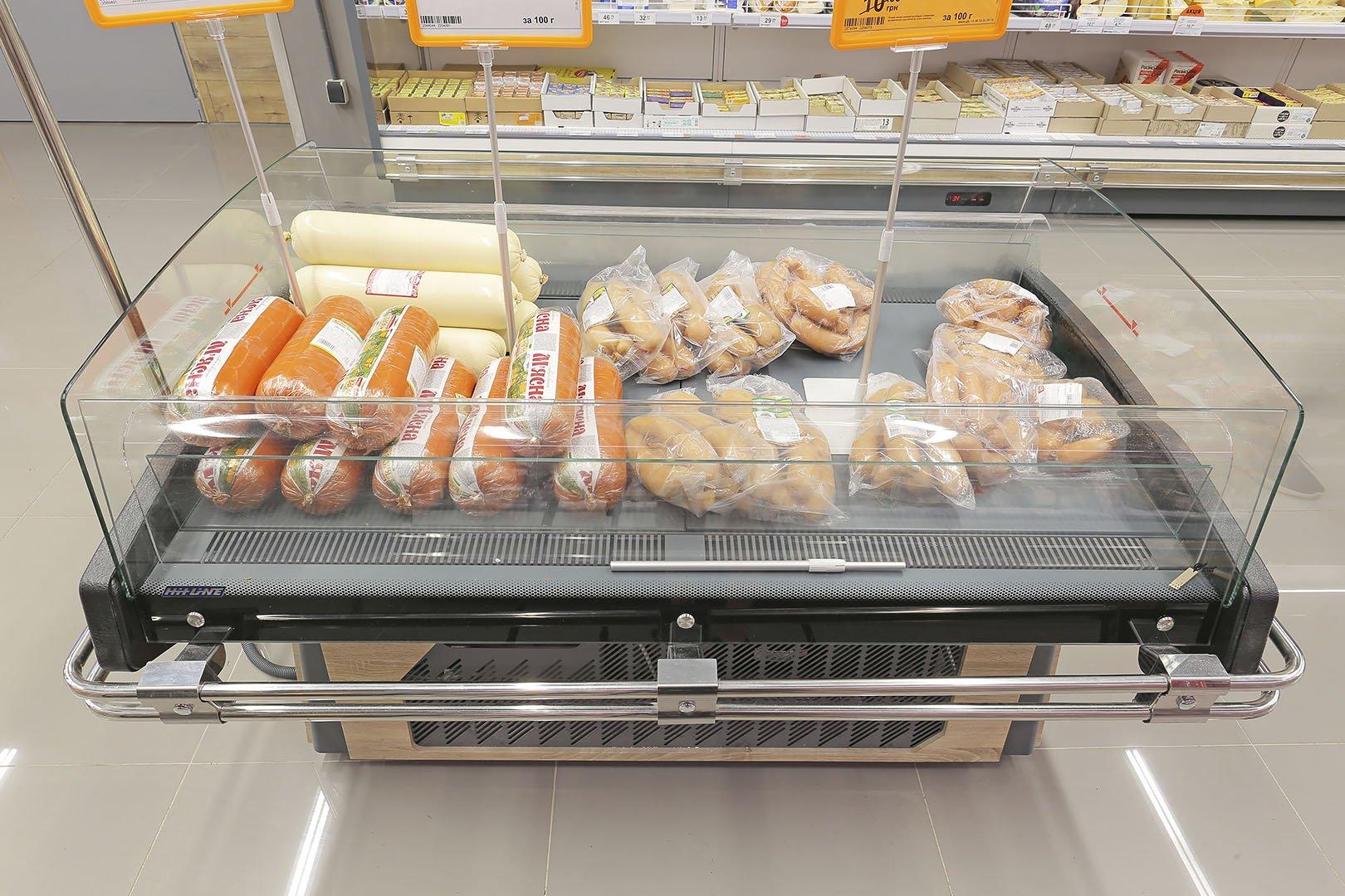 """Präsentationsvitrinen Virginia AK 096/122/136 deli self A im Supermarkt """"Varus"""""""
