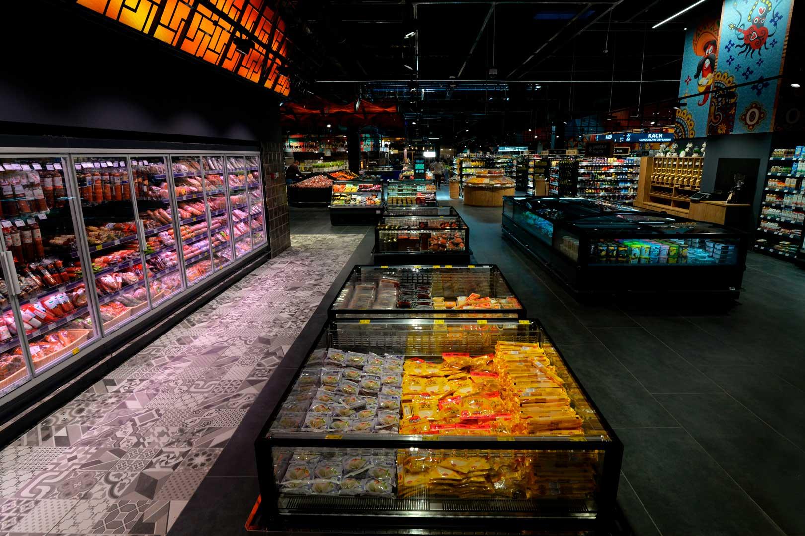 """Промоциональная витрина Virginia AC 120 deli self A, супермаркет """"Эпицентр"""", Киев"""