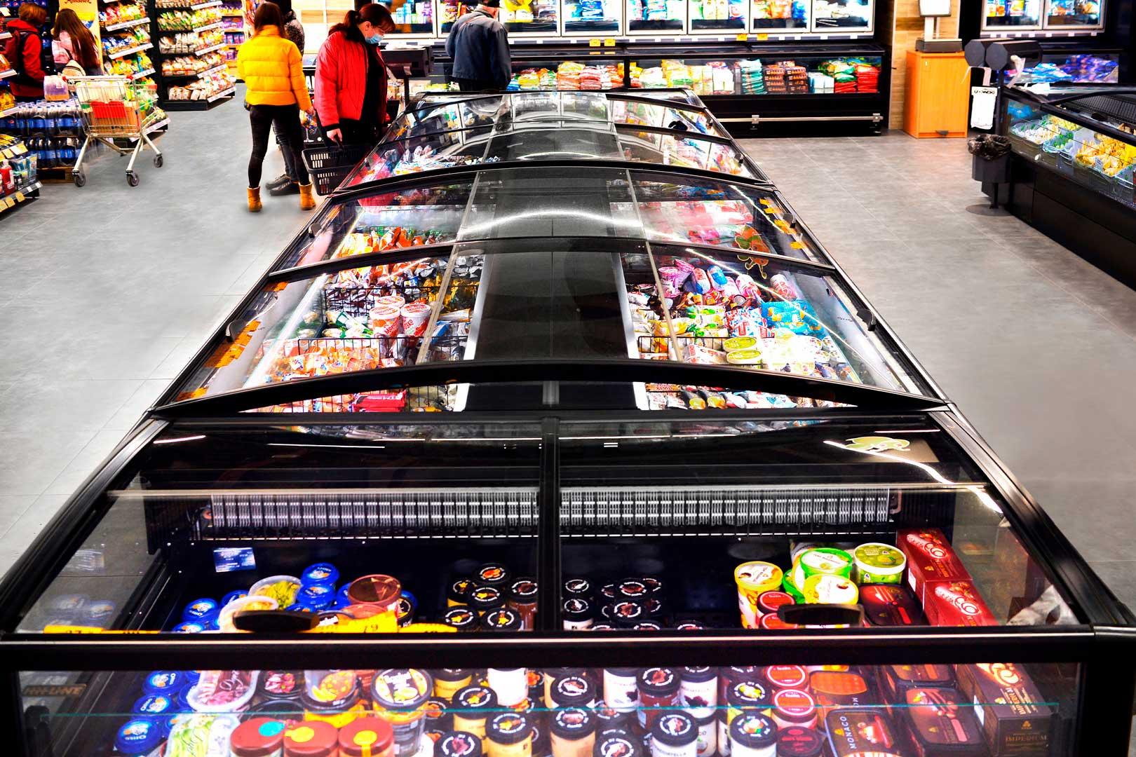 """Frozen foods units Yukon AH 200 LT C 100-SLA, supermarket """"Pchyolka-market"""""""