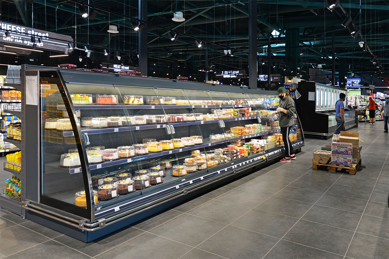 "Schrägvitrinen Louisiana eco MSV 095/105/115 MT D M im Supermarkt ""City-Market"""