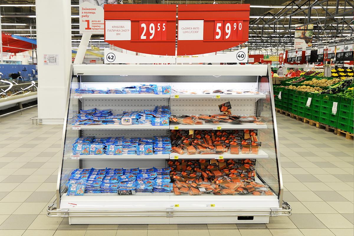 """Schrägvitrinen Louisiana eco MSV 095/105/115 MT O M im Supermarkt """"Auchan"""""""