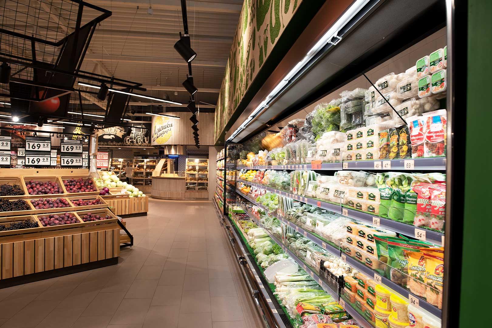 """Tiefkühlwandvitrinen Louisiana FV MV 095/105/115 MT VF M im Supermarkt """"Spar"""""""