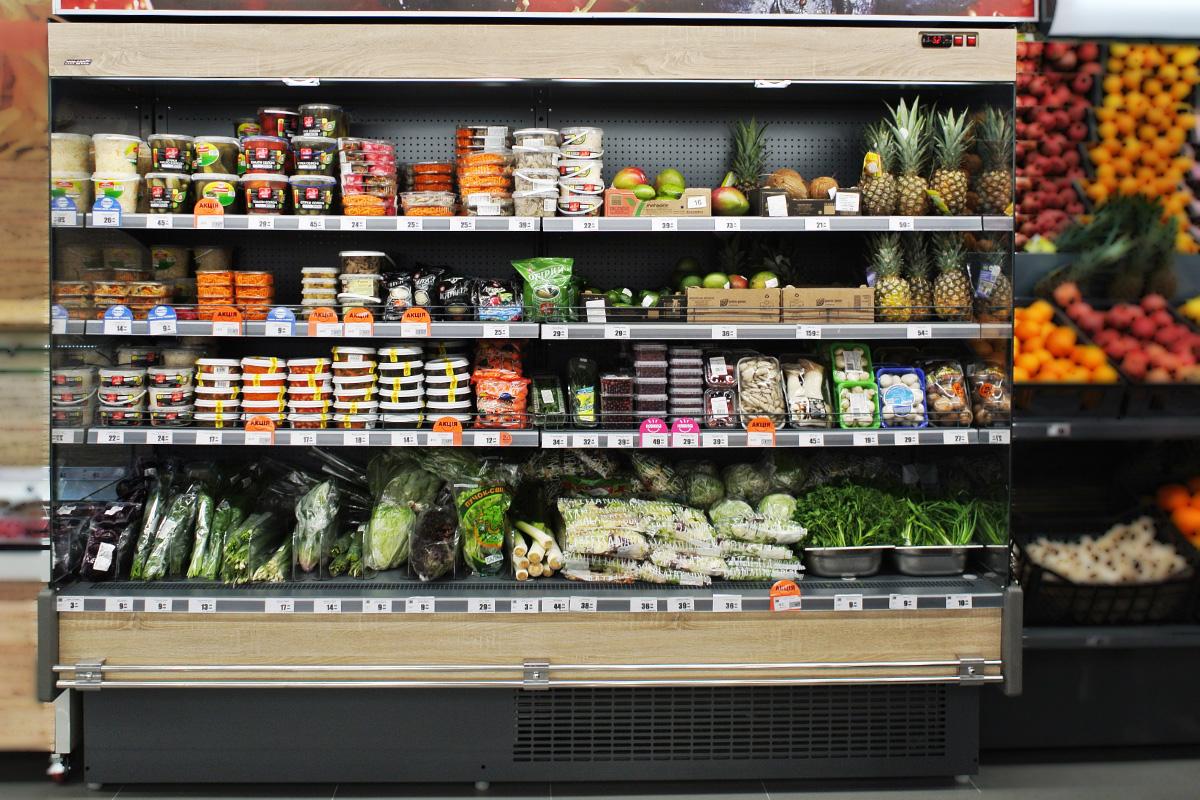 """Tiefkühlwandvitrinen Indiana cube AV 070/080/090 MT O А im Supermarkt """"Varus"""""""