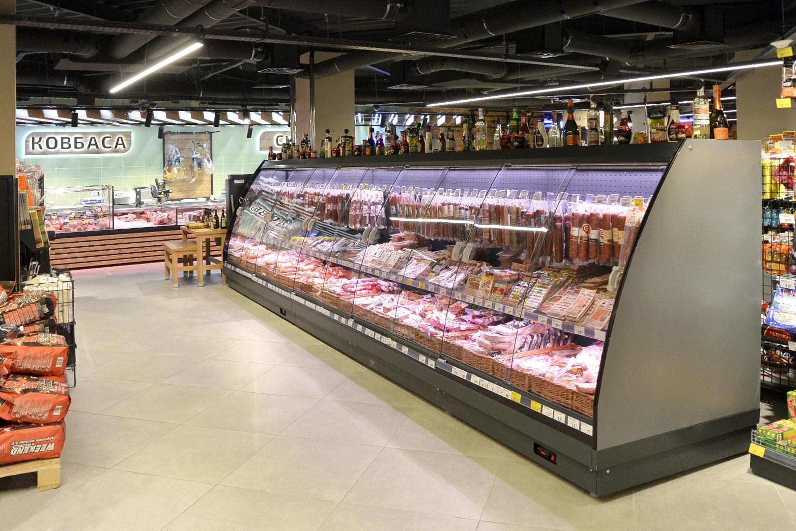 """Schrägvitrinen Louisiana eco MSV 095/105/115 MT D M im Supermarkt """"Fora"""""""