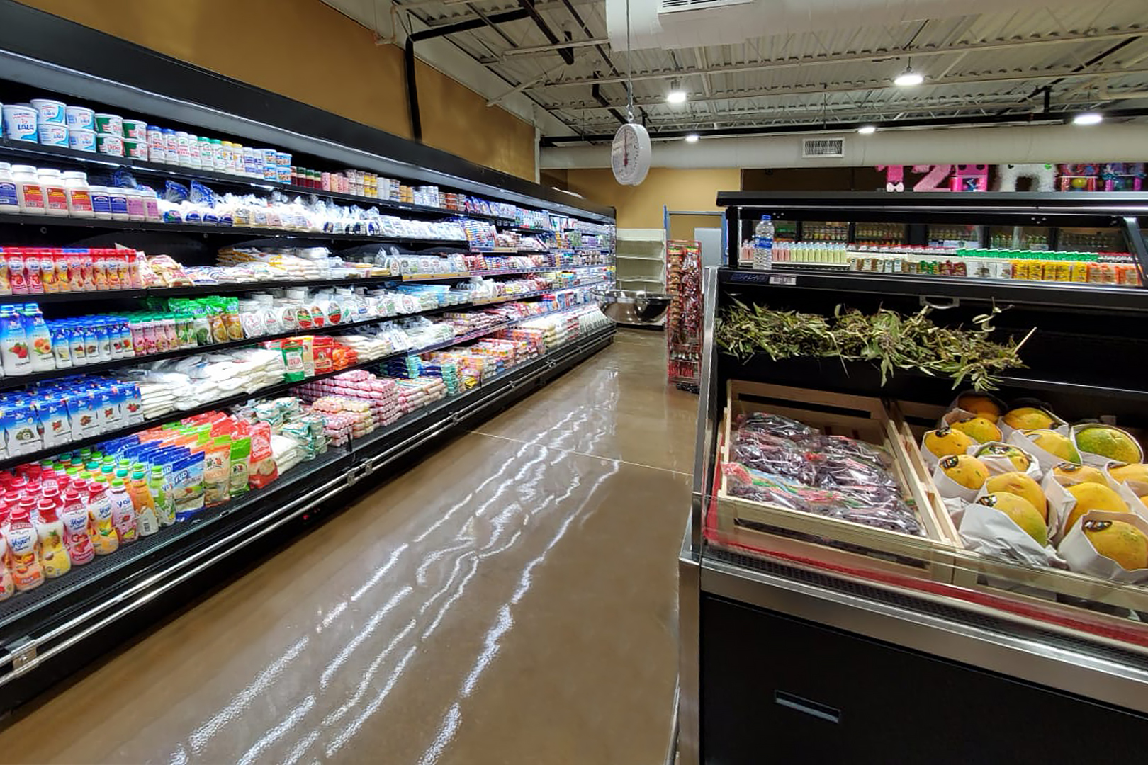 Специализированные витрины для продажи овощей и фруктов Missouri VF MC 110 VF self 125-DBM, пристенные витрины Louisiana MV 095 MT О 210-DLM