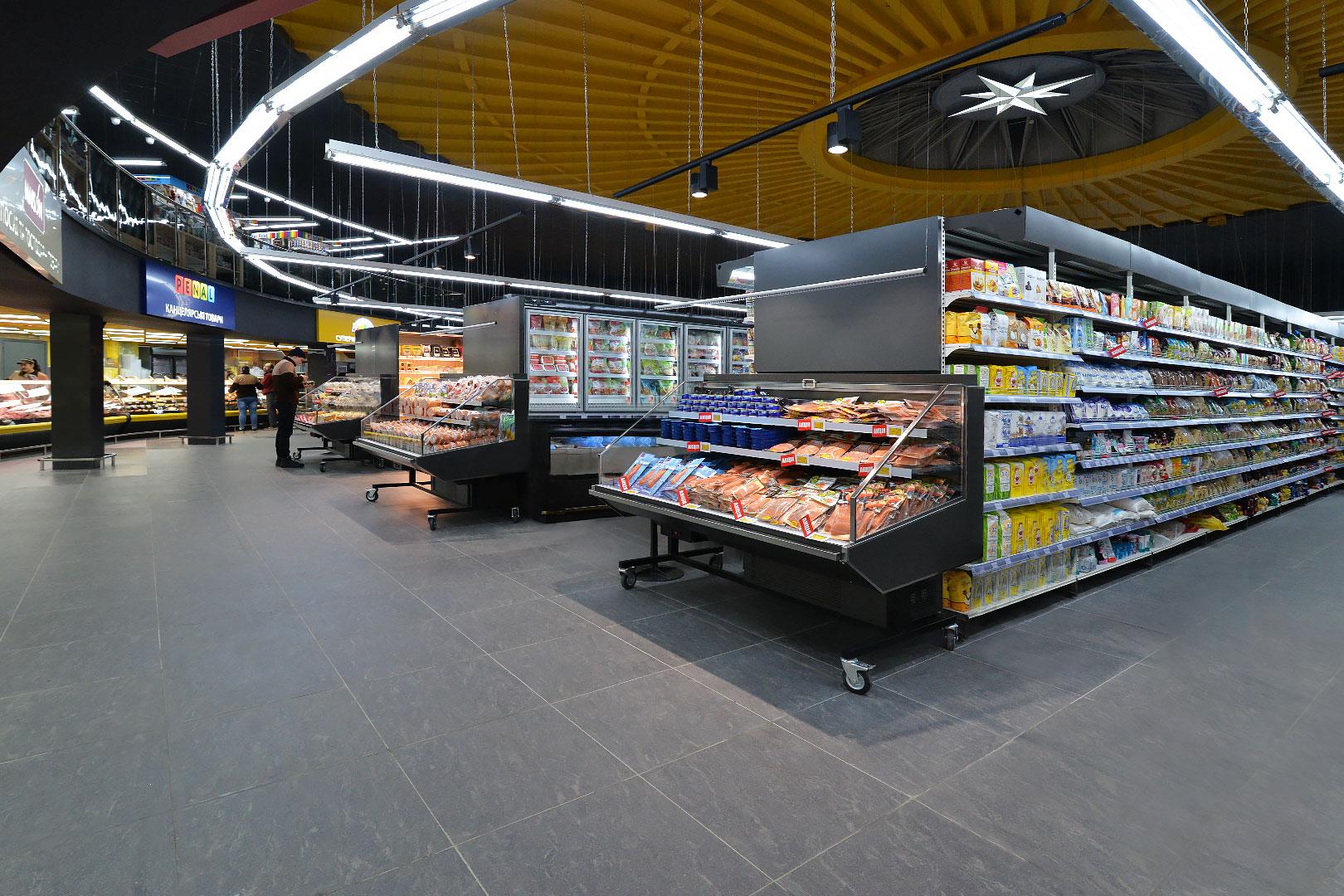 """Промоциональные витрины Missouri promo MC 100 deli self 140-DLA, пристенные витрины Indiana MV 100 MT O 220-DLM в супермаркете """"Рост"""""""