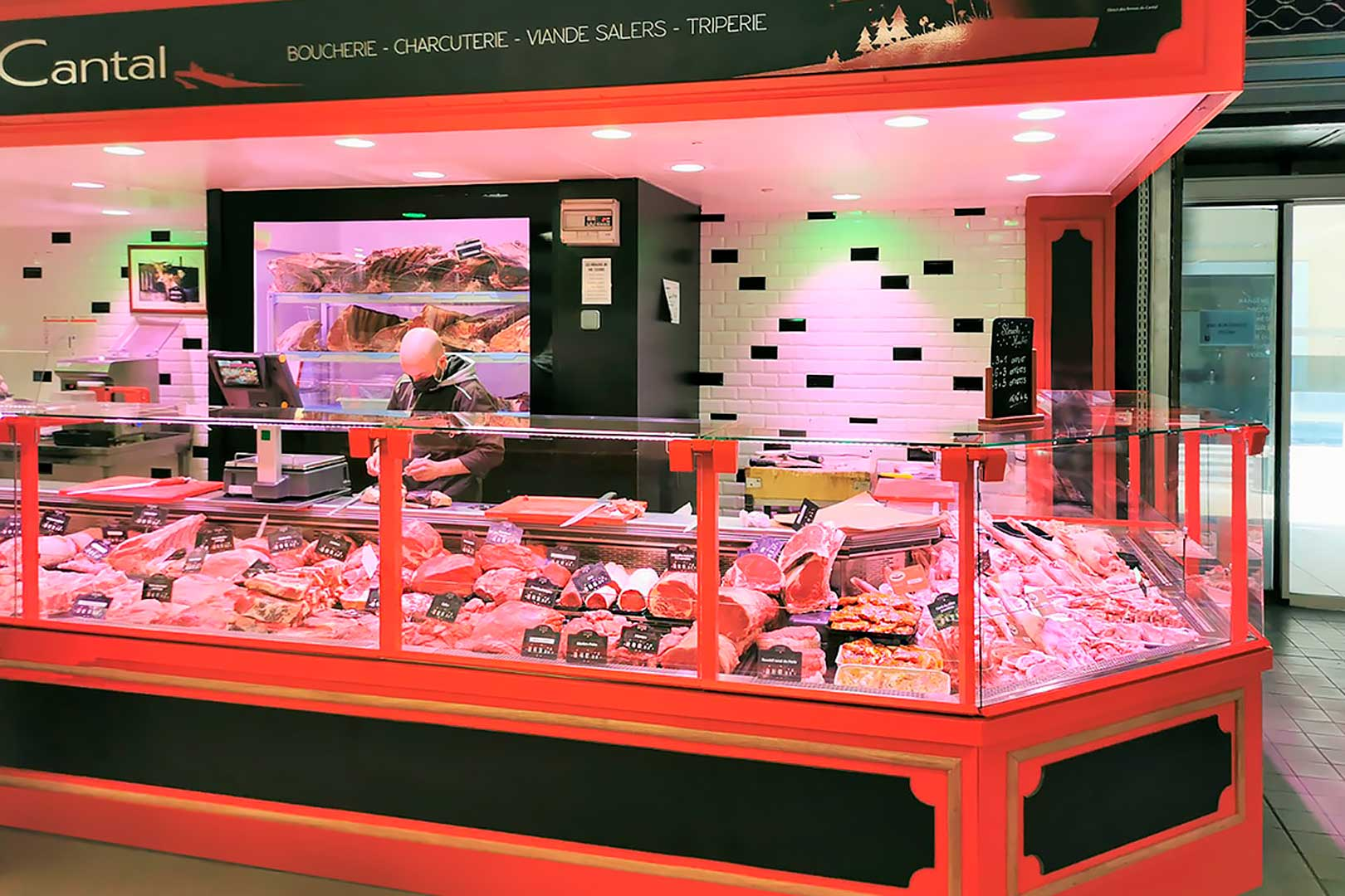 Холодильные витрины Missouri MC 120 M, магазин LA FERME DU CANTAL во Франции