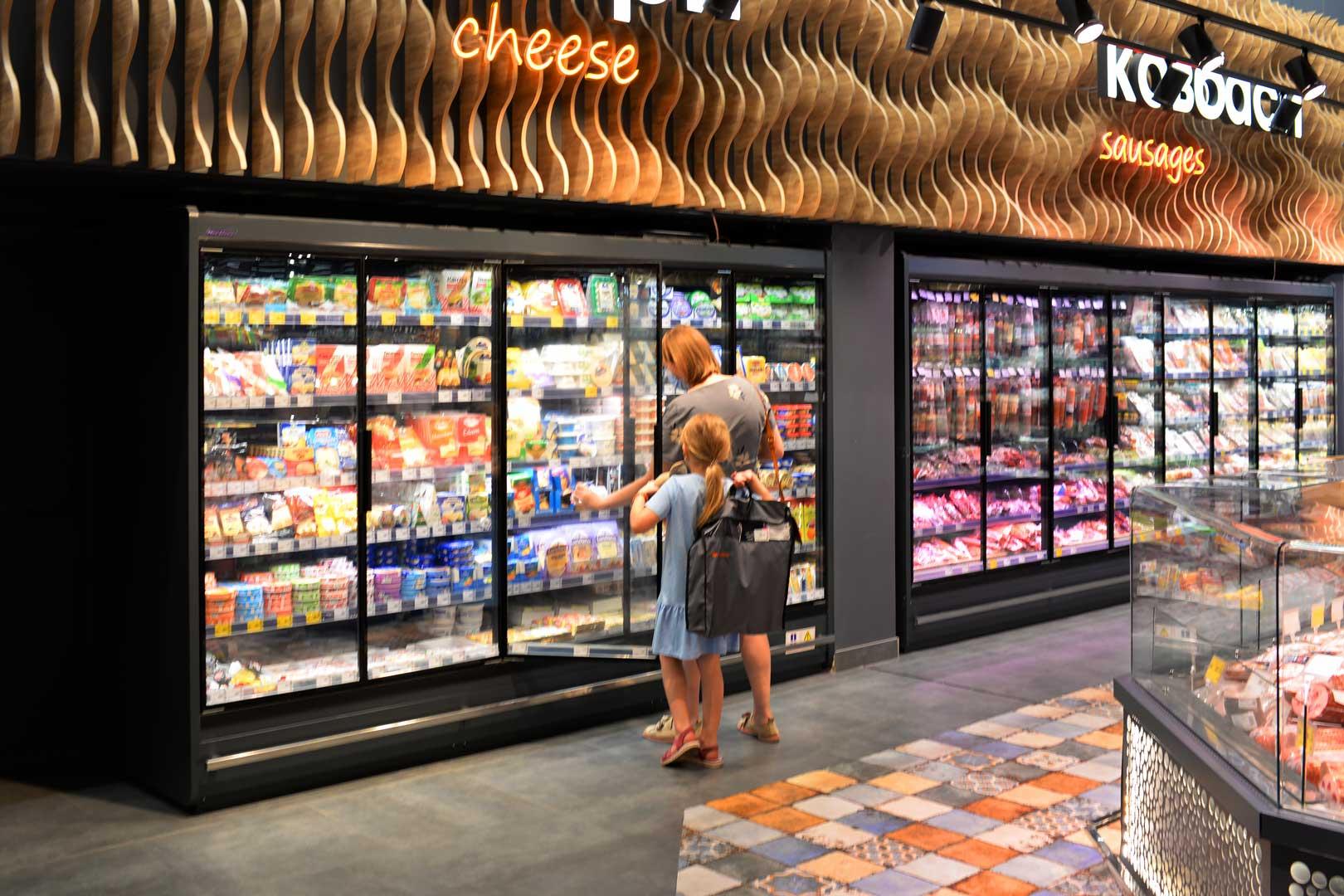 Пристінні холодильні вітрини Indiana MV 080 MT D 205-DLM-250