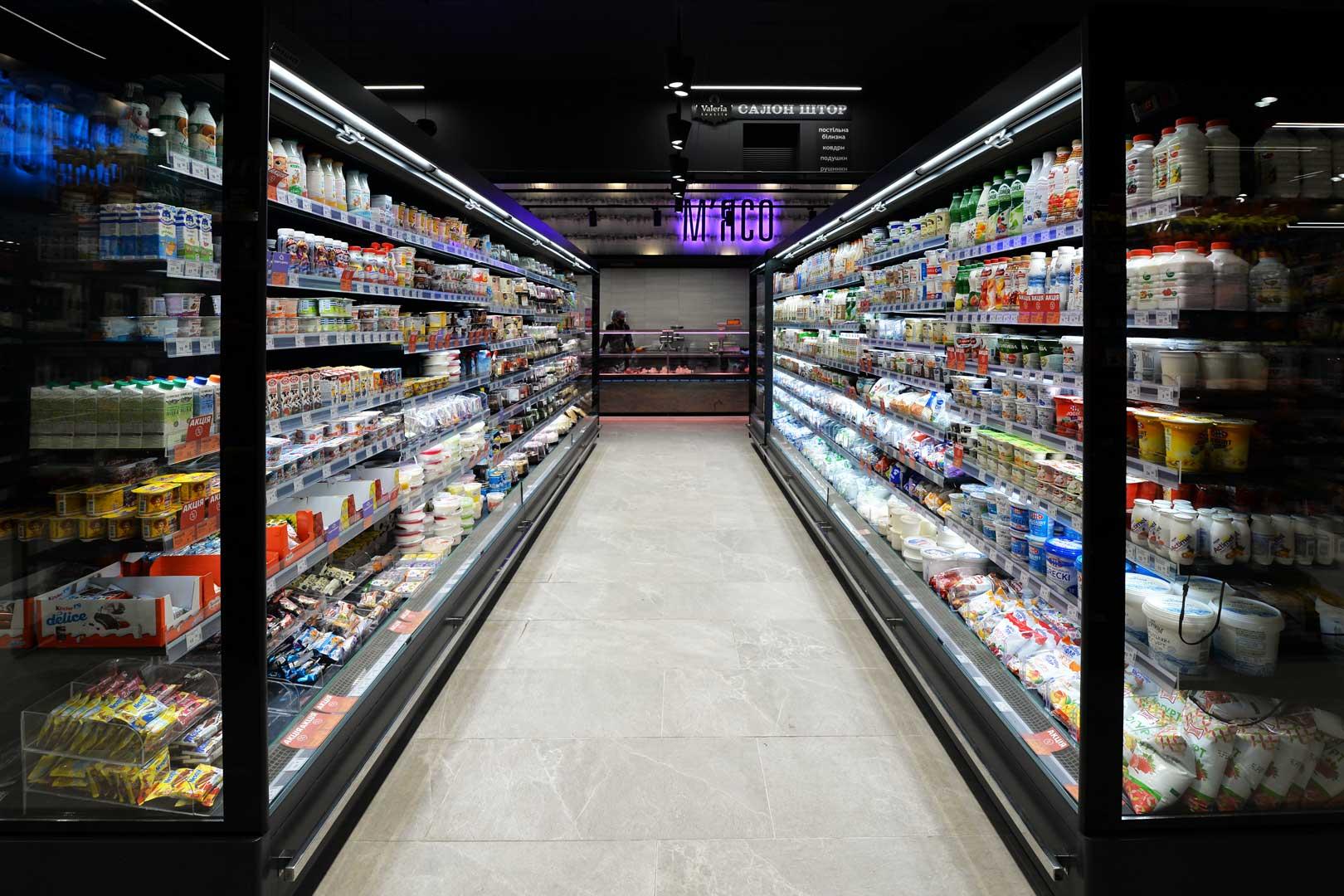 """Пристінні холодильні вітрини Indiana MV 080 MT O 205, супермаркет """"Сім'я"""""""
