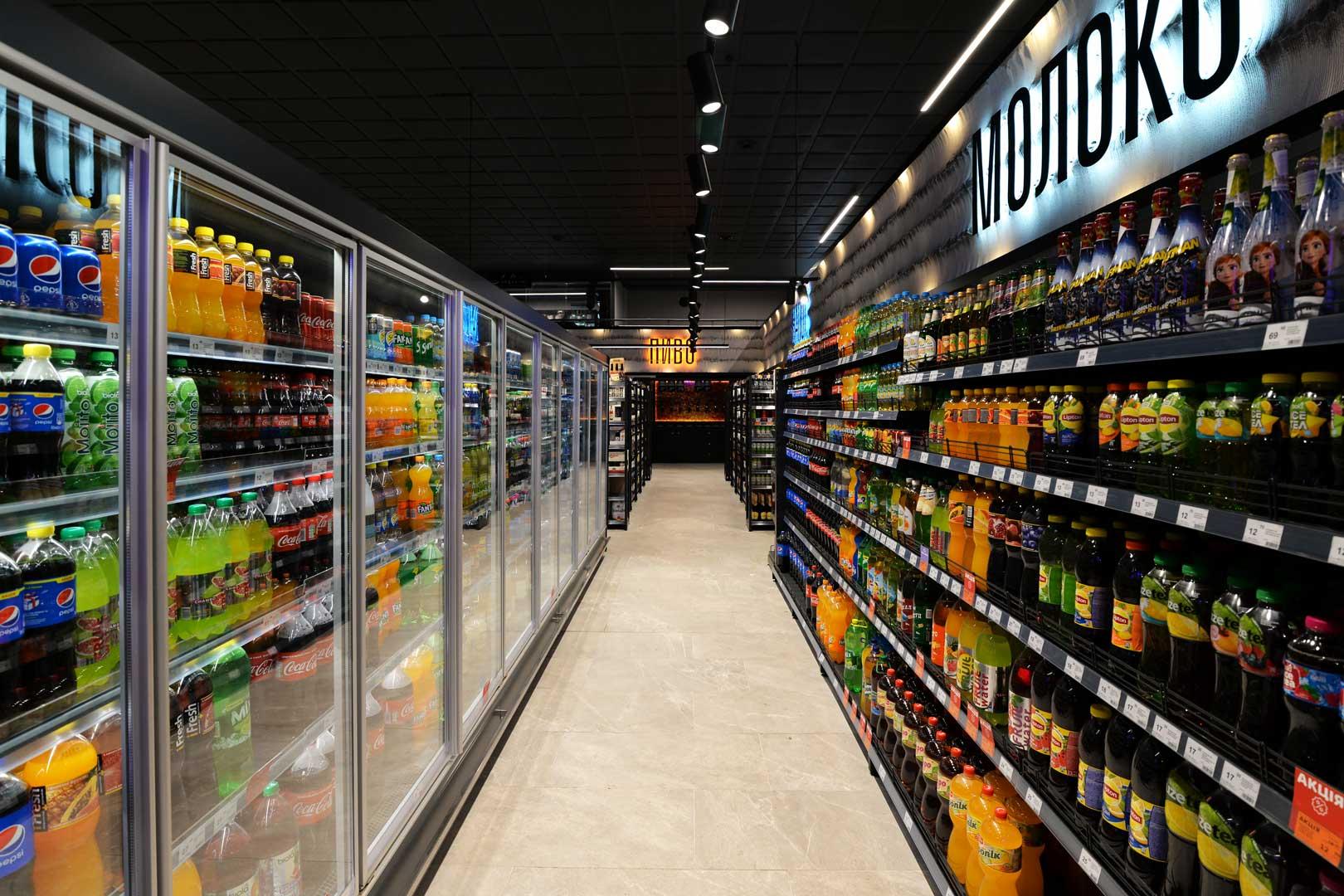 """Пристінні холодильні вітрини Indiana MV 080 MT D 205, супермаркет """"Сім'я"""""""